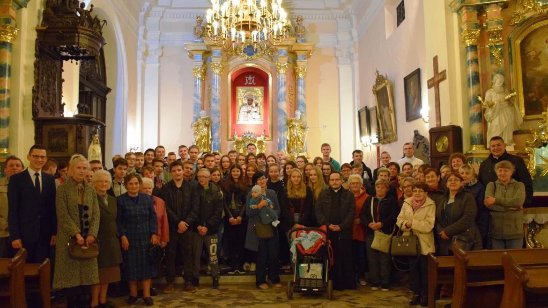 Sztafeta w parafii pw. św. Wojciecha w Ujeździe